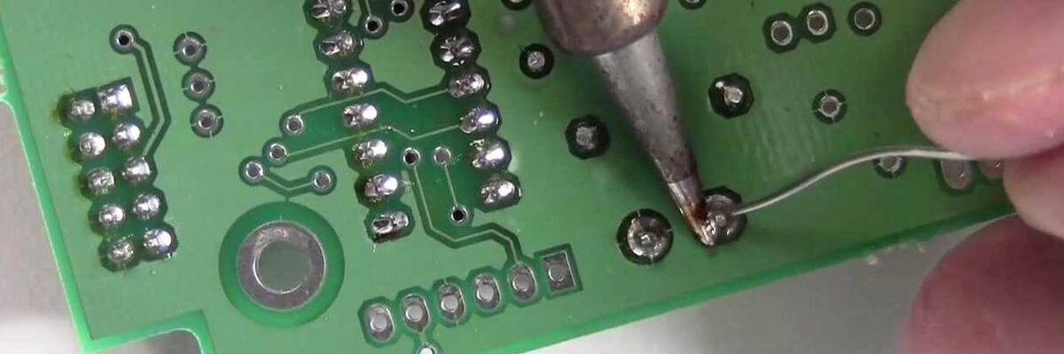 through-hole-pcb-assembly-01